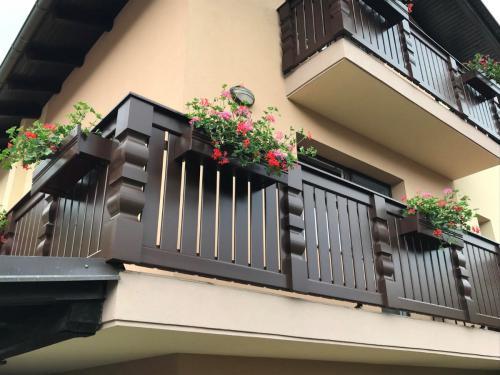 Balkonske ograje (moderni stil) (16) čokoladna