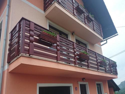 Balkonske ograje (vzdolžni stil) (3)